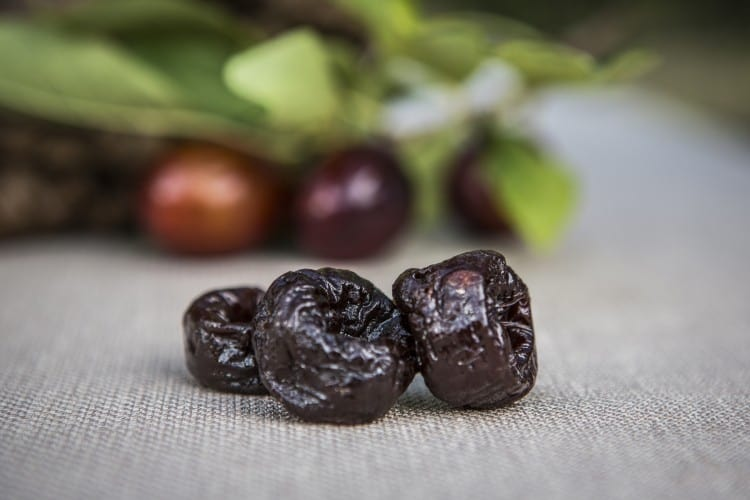 dried plums high res