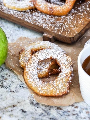 Fried apple rings ready to be eaten.