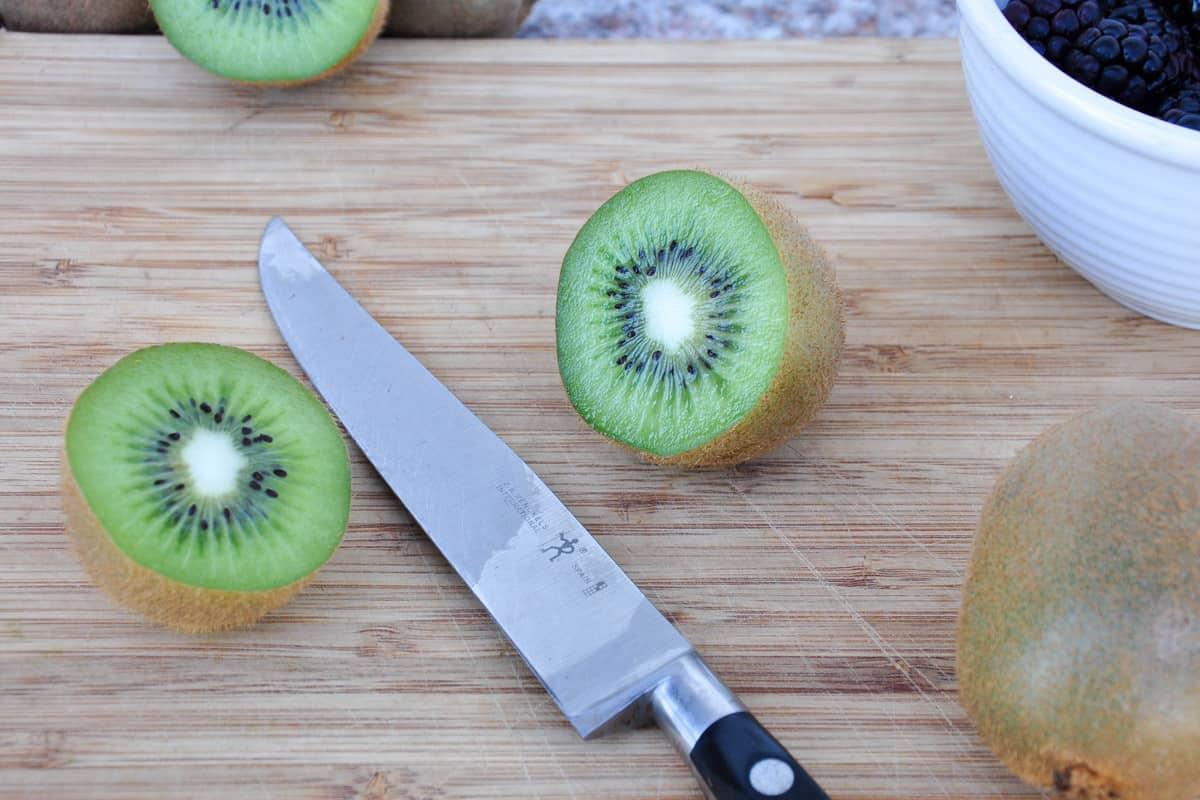 Sliced kiwis