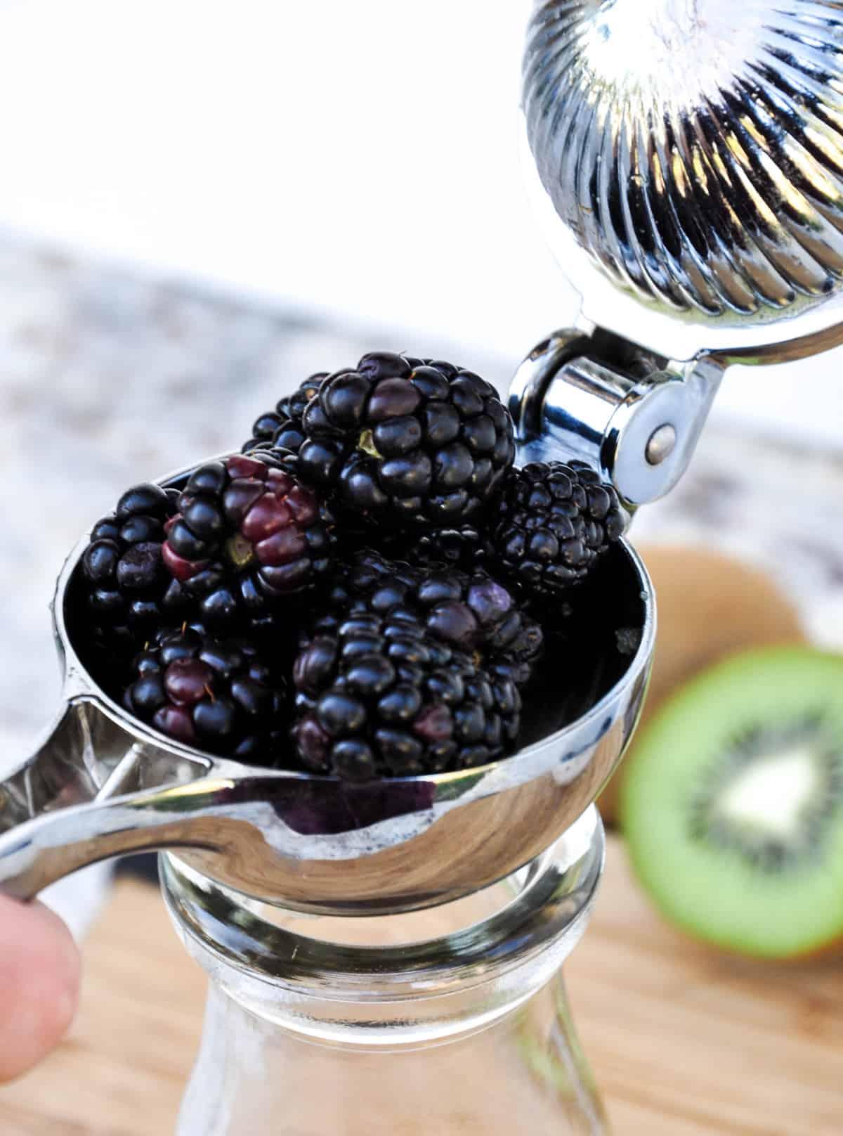 Juice blackberries