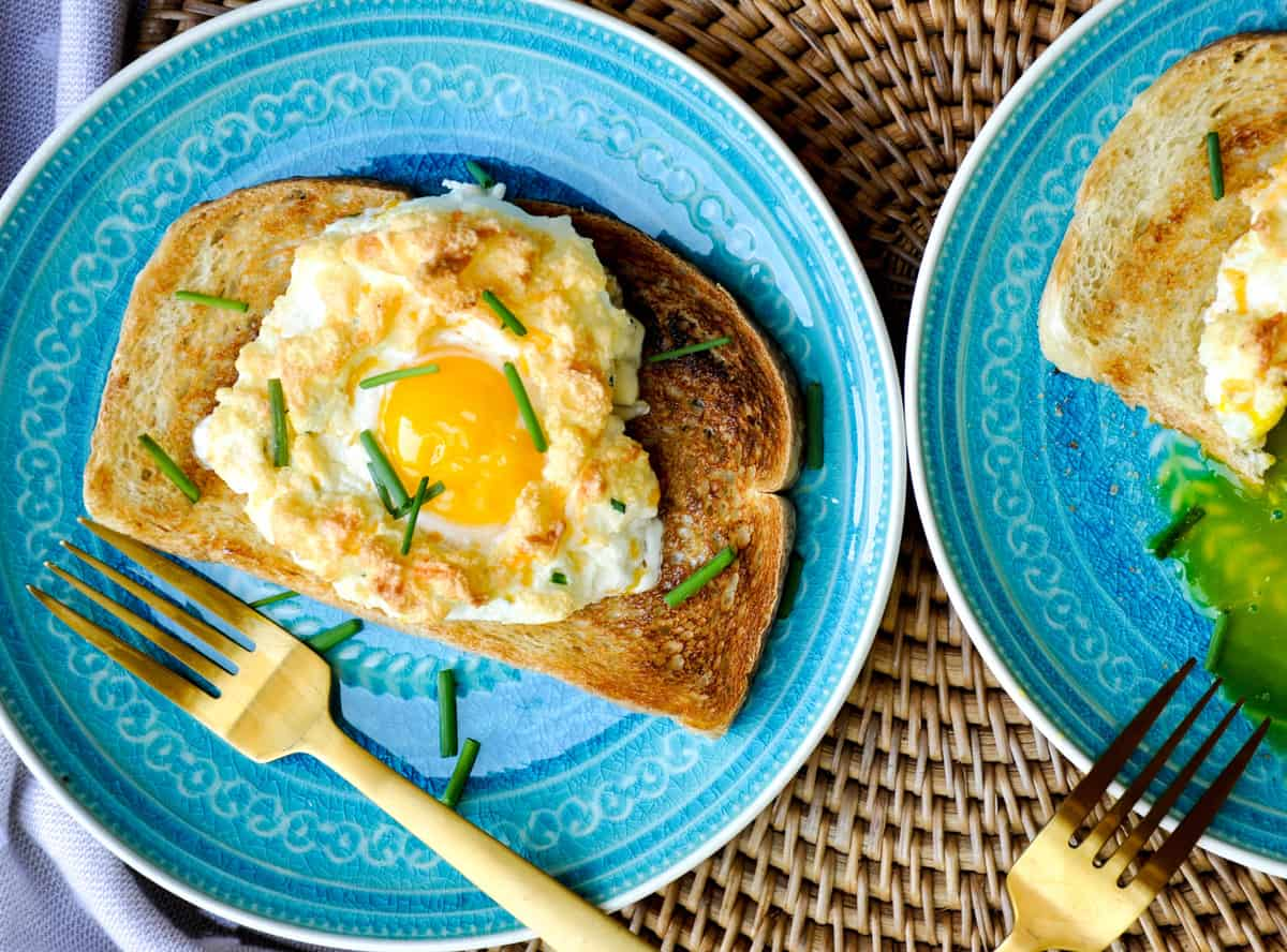 Egg in a Cloud. These eggs are so fun and super flavorful for a lazy Sunday brunch!