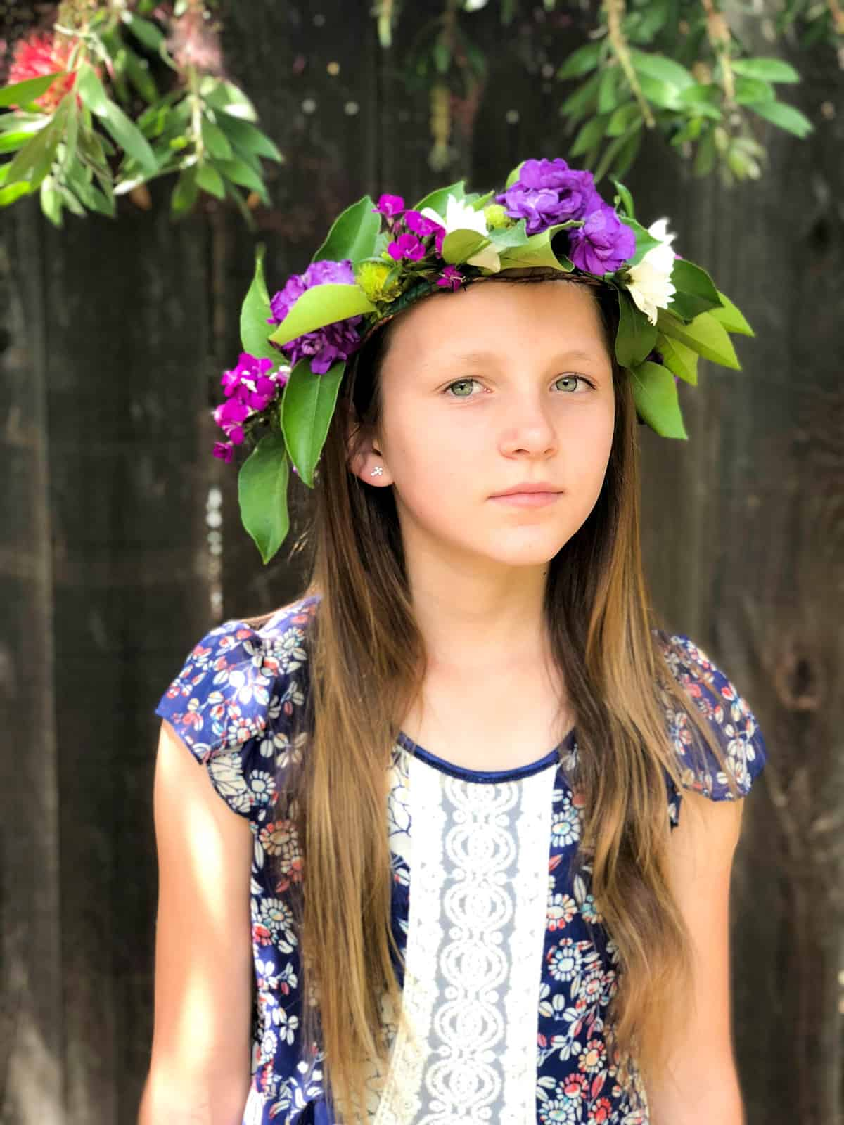 How to make a Floral Crown for a wedding or graduation ceremony!