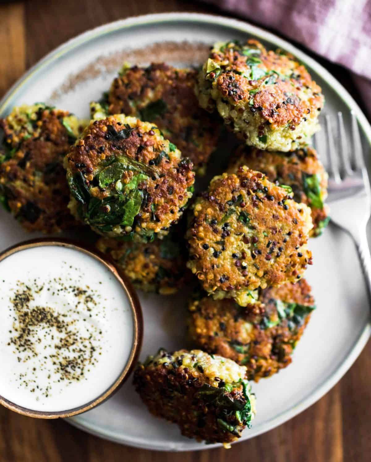 Spinach quinoa cakes.Deliciously healthy foods that kids can help make...and eat.