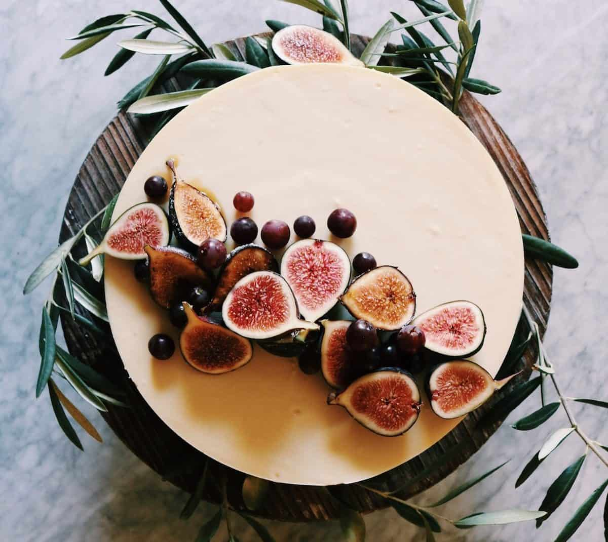 Cheesecake with Grapes