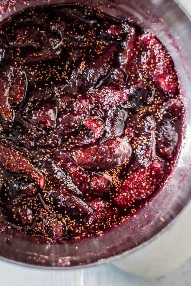 Cooked fig compote in pan for easy creme brûlée recipe.